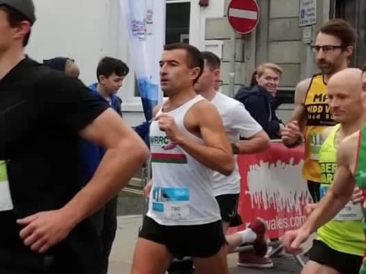 Rugby ref touches down on podium at top North Wales half-marathon