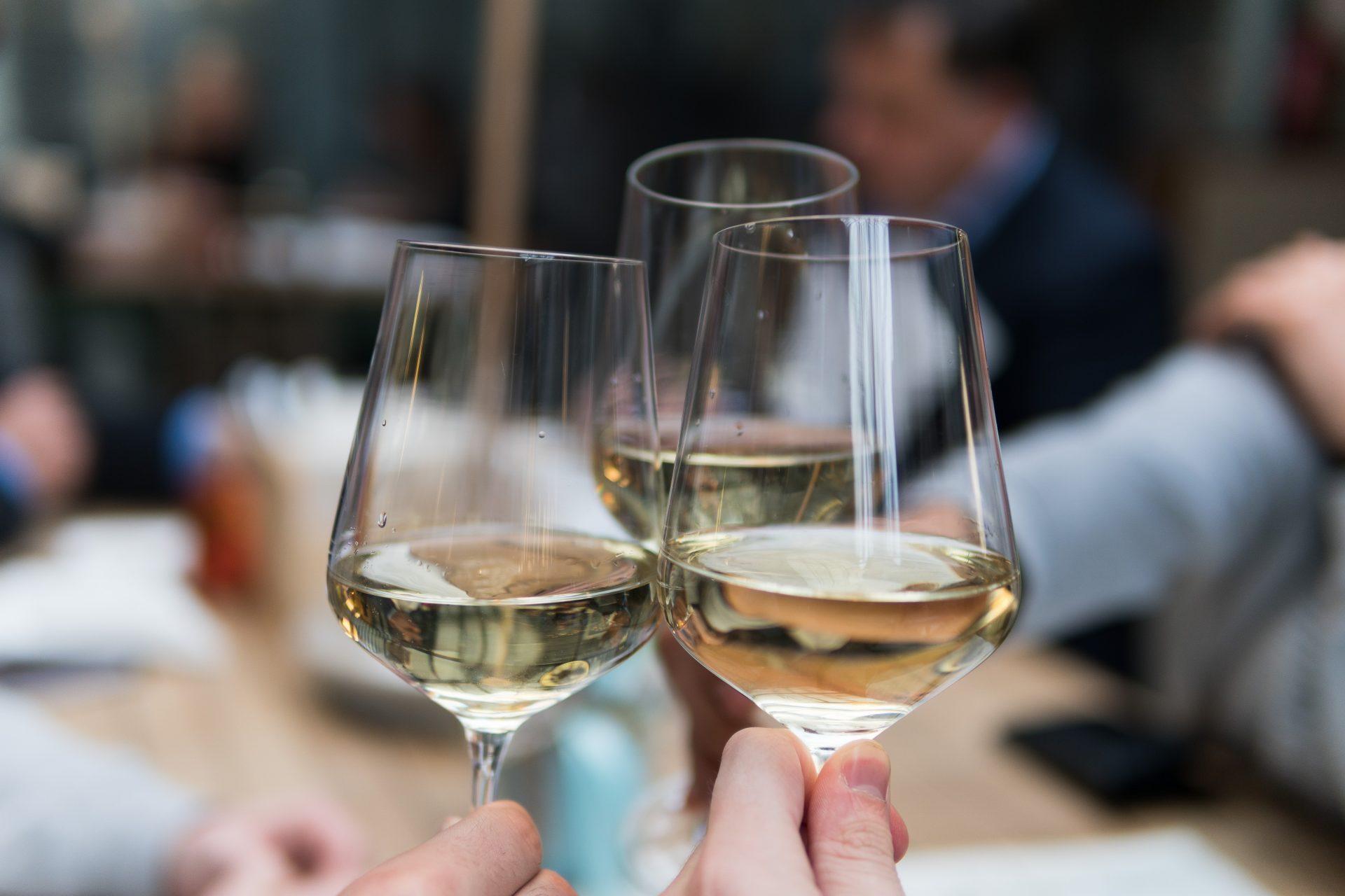 【コスパ最強】7ドル以下!安いのに美味しい白ワイン5選(トレジョで買えるよ)