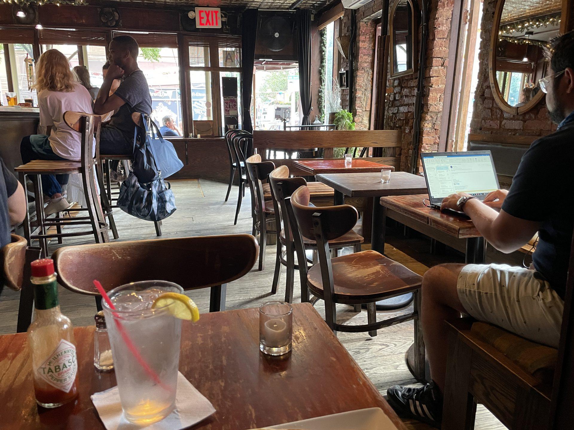 【フレンチクレープ】ノマドワークにも最適なカフェバー SHADE BAR Crepes