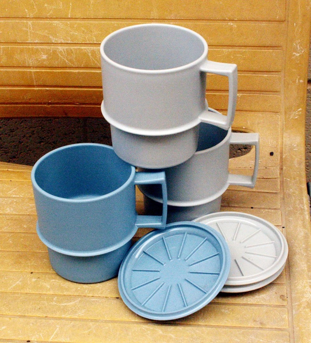 Vintage Tupperware Mugs Blue and Grey with Lids
