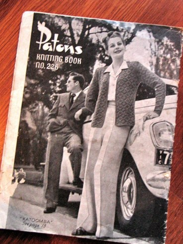 Vintage 1940s 'Patons Knitting Book' - Gorgeous Casual and Sportswear