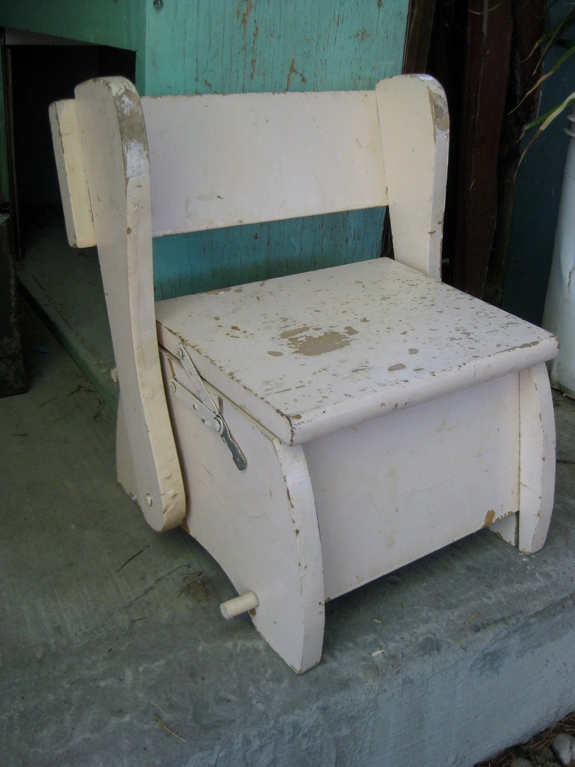 portable potty chair knoll conference room chairs vintage chippy multi use convertible step stool