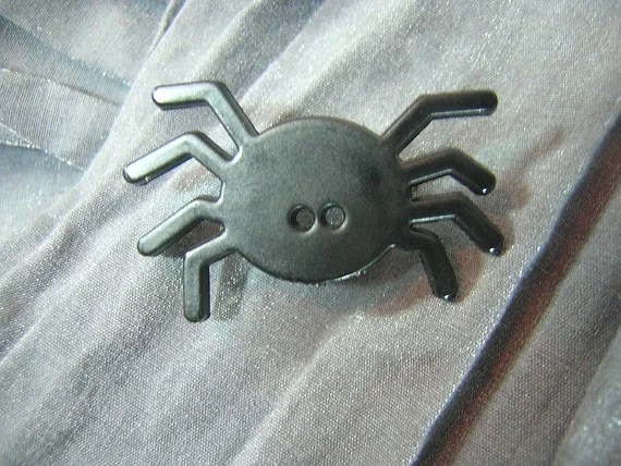 Cute Black Spider Pin by Rewondered D225P-00003 - $5.95