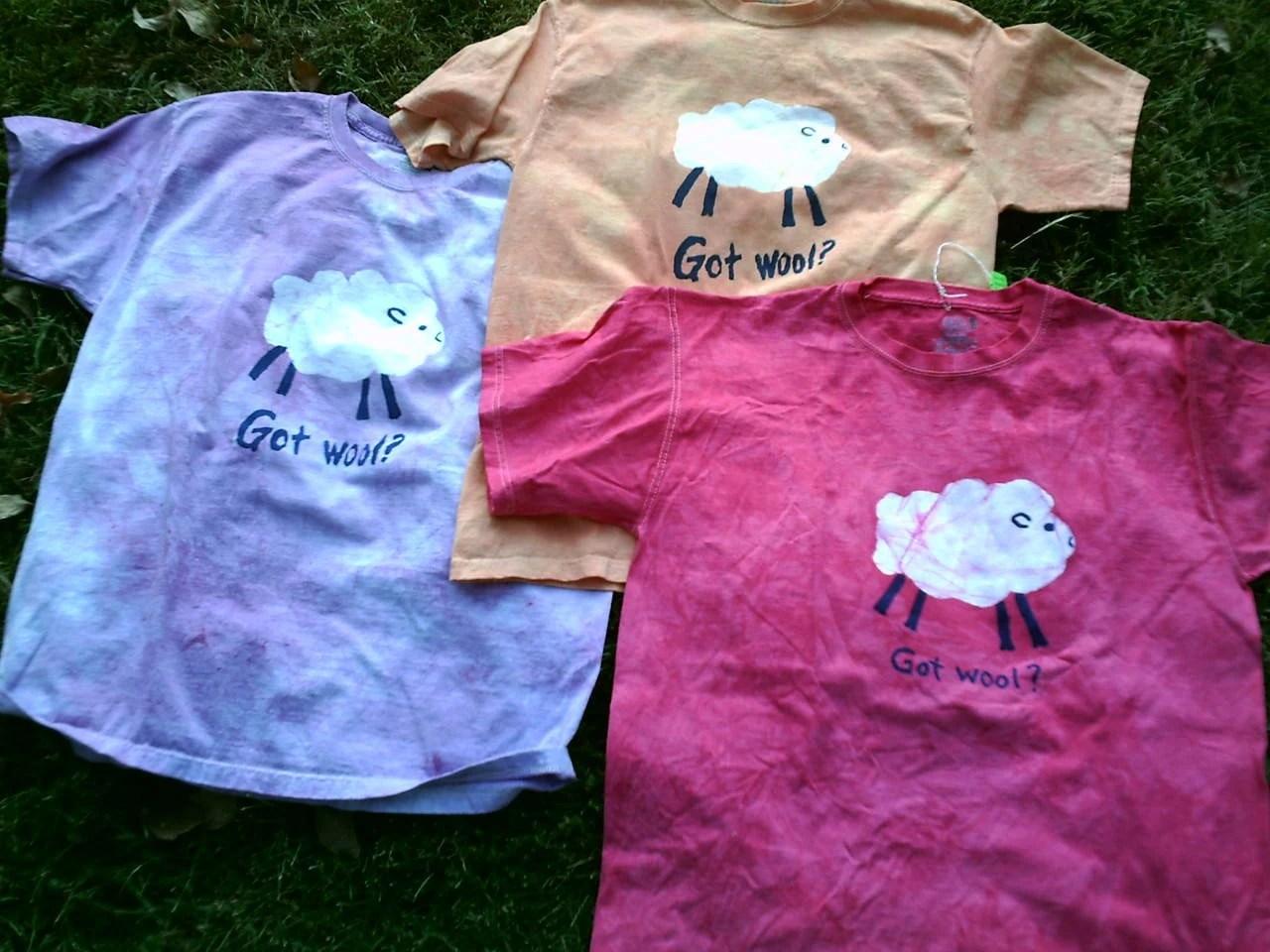 Batik Sheep t-shirt -got wool