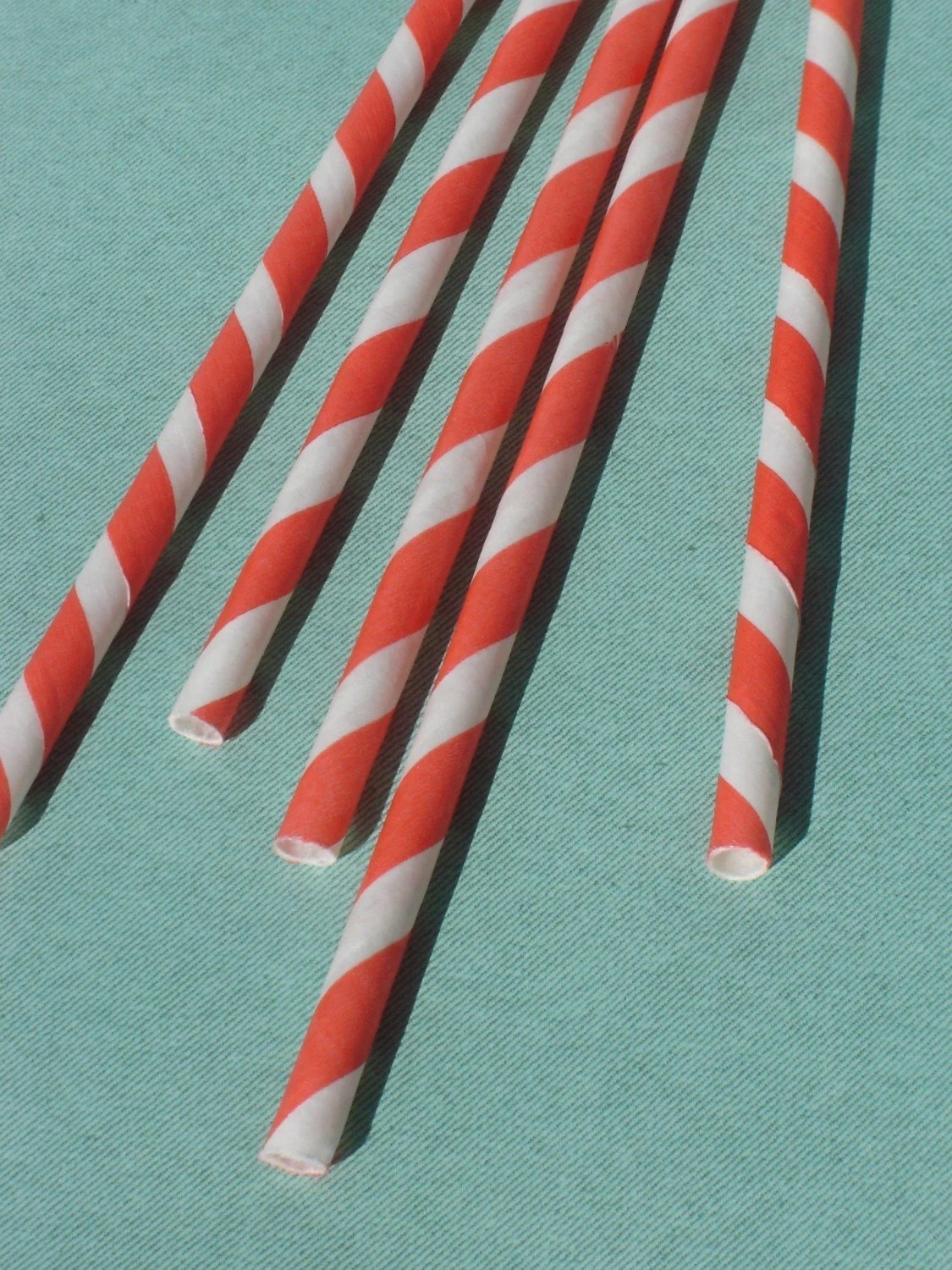 100 striped paper straws - red/white