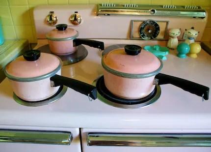 Vintage 1950s Kitchen Pink Set of Aluminum Club Pots with Lids