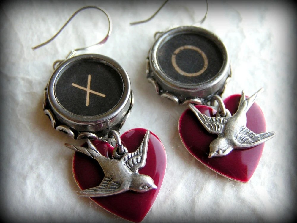 FOREVER LOVE - Xs and Os - Vintage Typewriter Key Earrings