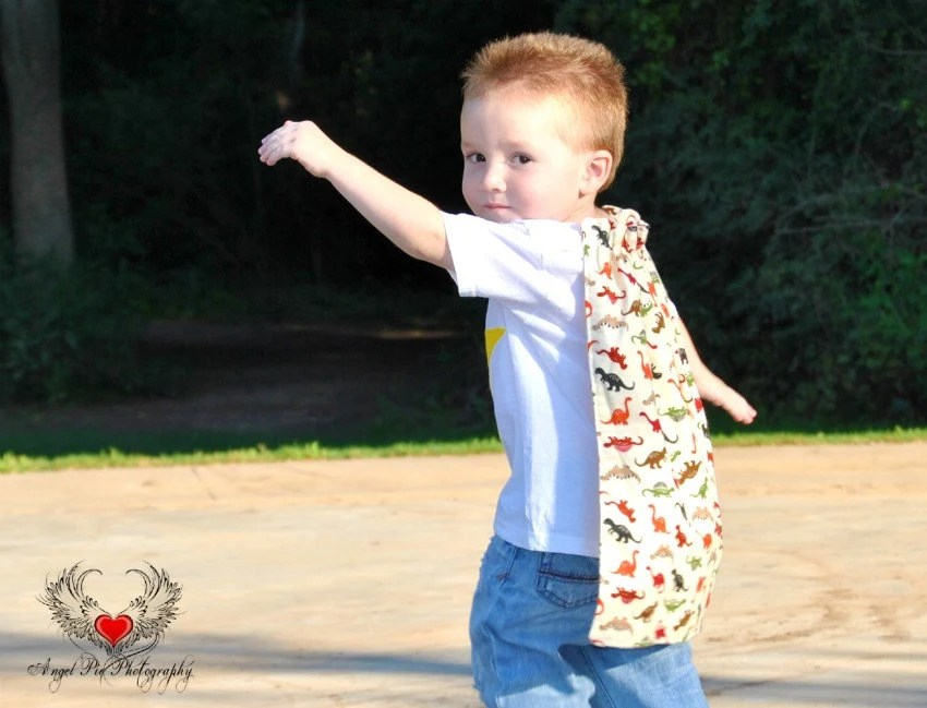SUPER lil dude yellow STAR dino cape tee size 2-4