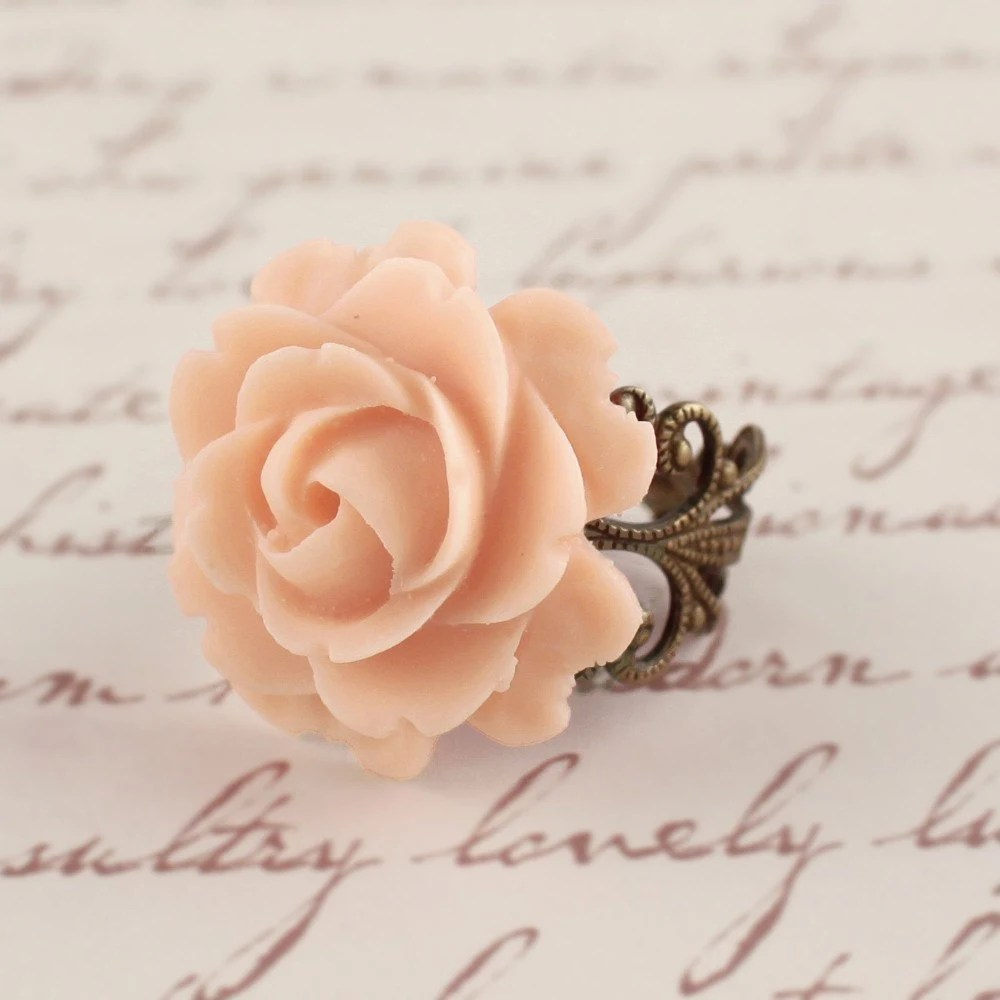 TEA IN THE GARDEN  Lovely Vintage Rose Filigree Flower Ring