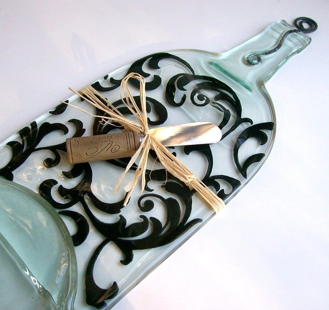 Recycled Wine Bottle Serving Tray/Cheese Board With Wine Cork Spreader (Lg Scroll Pattern)