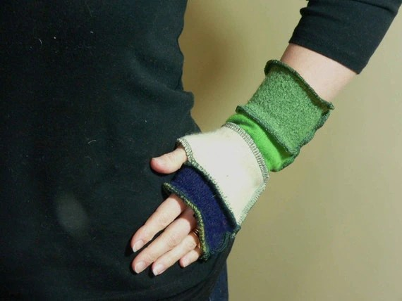 Arm Warmers - Fingerless Gloves - made from recycled sweaters - St Patty's Green