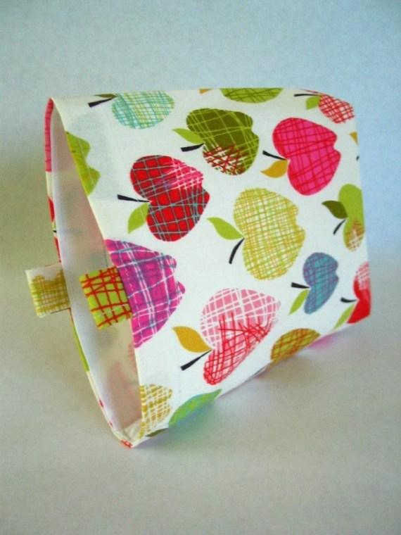 Chicken Scratch Apples Reusable Sandwich Bag
