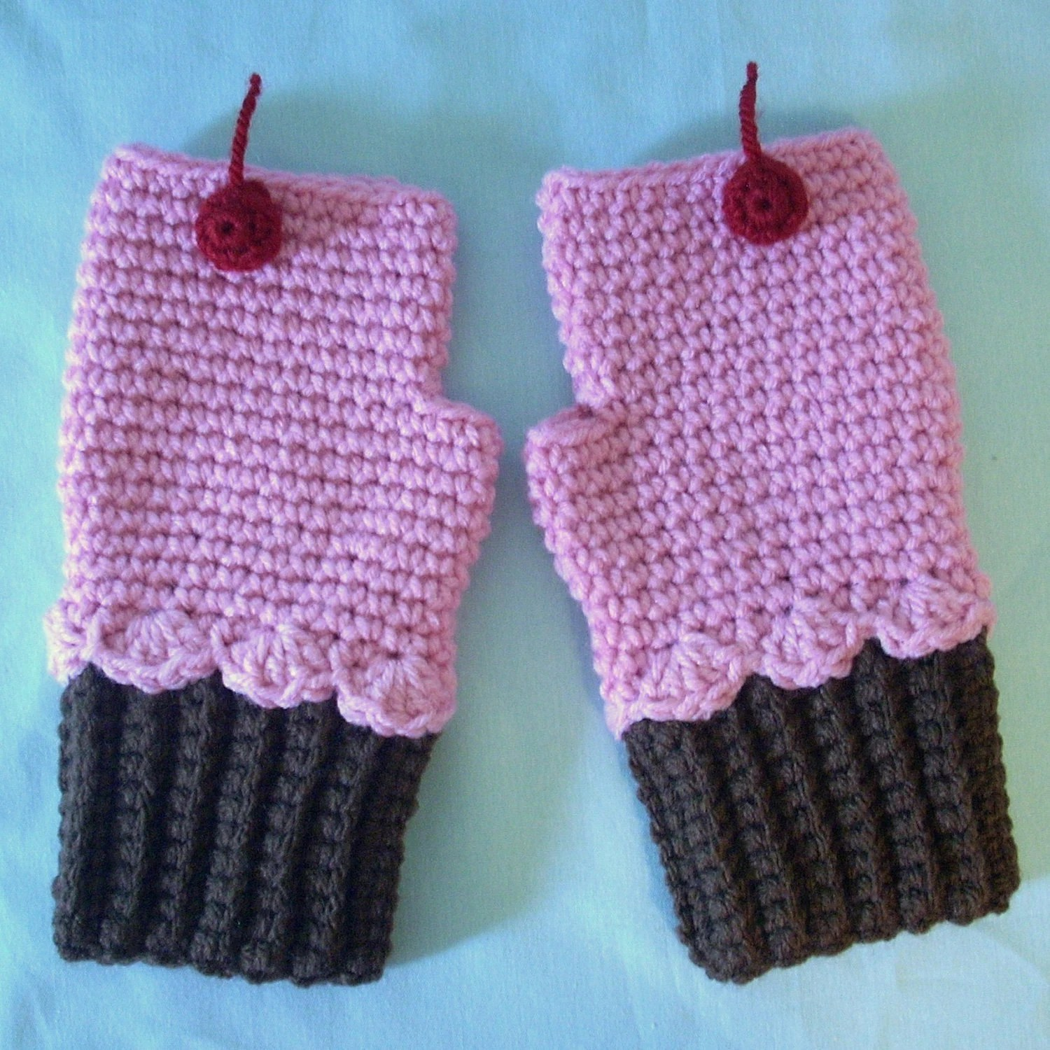 Cupcake Mittens Fingerless Ships Now