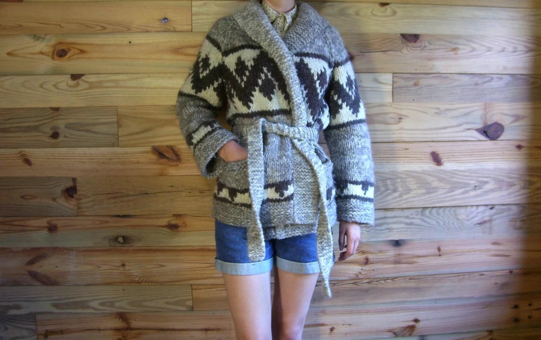 Vintage Handknit Sweater xs s m