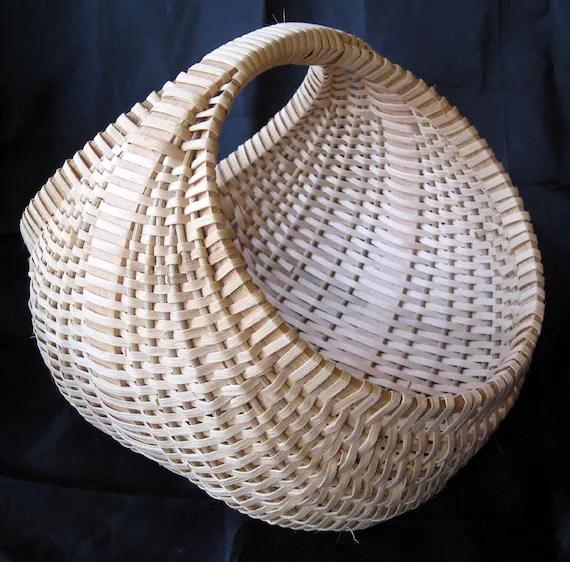Hen basket