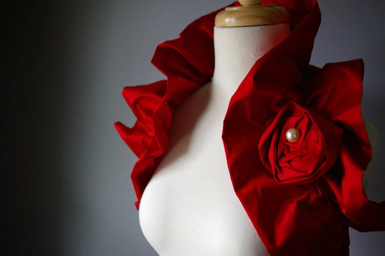 Silk Shoulder Wrap in Red