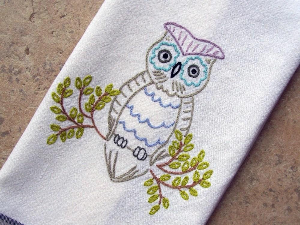 Retro Modern Owl Hand-Embroidered Tea Towel/Dishtowel/Towel