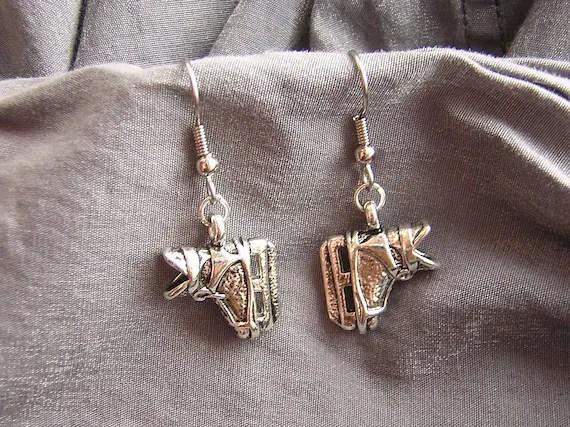 Hockey Skate Simple Charm Earrings - Handmade by Rewondered D225E-25101 - $8.95