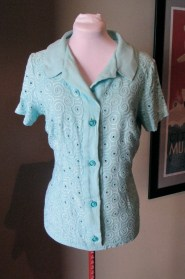 Vintage 1950s Aqua Linen Blouse with Deco Swirls L