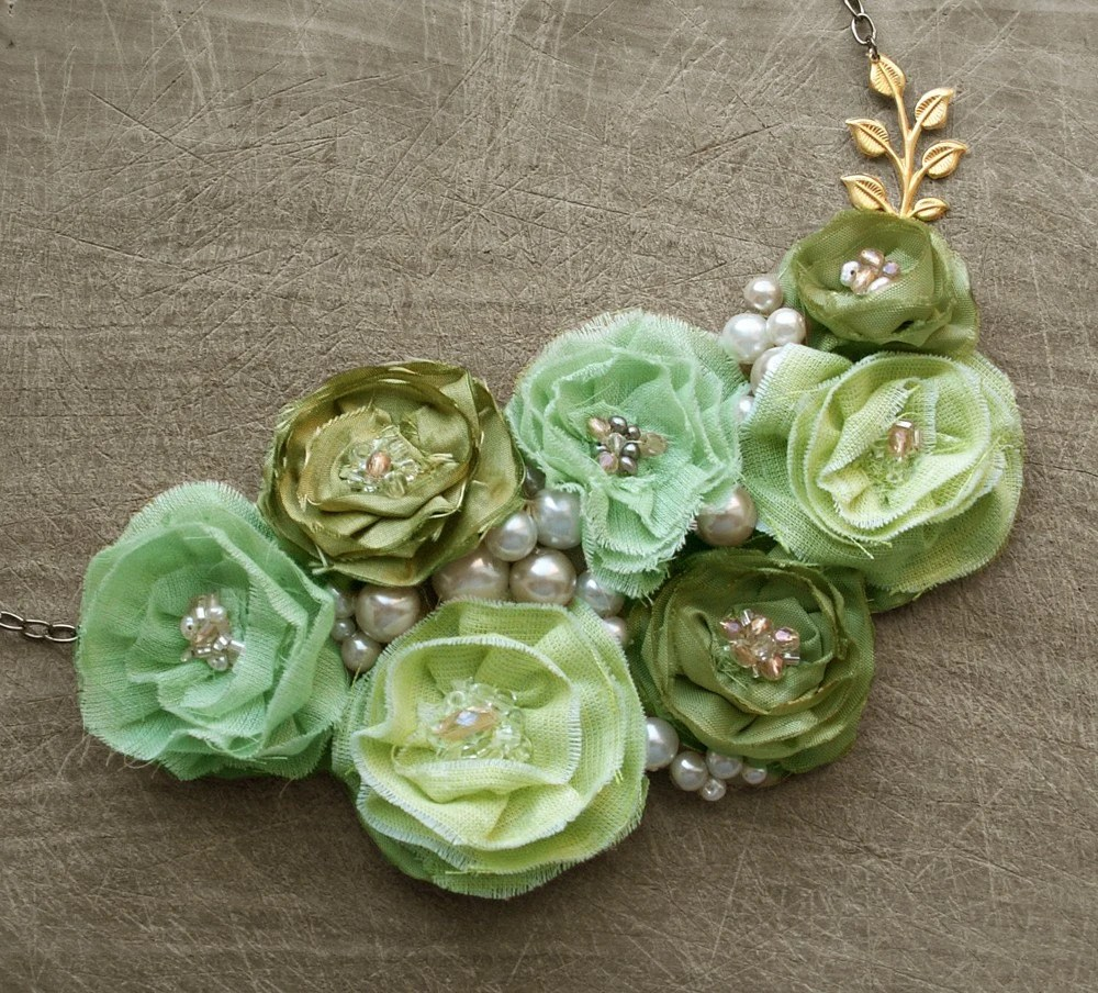 Titania's Spring Green Statement Necklace