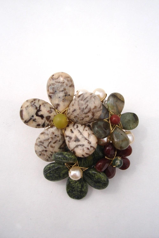 Silkworm jasper and serpentine brooch