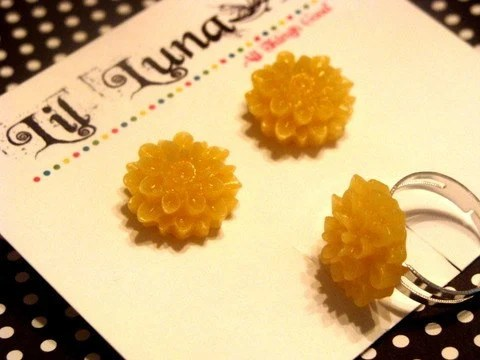Cabochon Earring and Ring Set - Yellow Chrysanthemums
