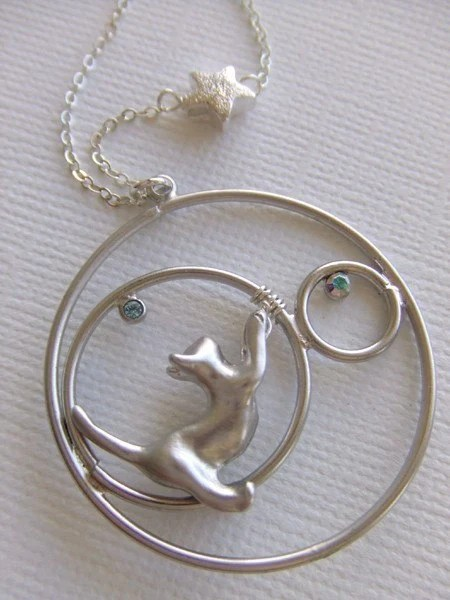 REACHING FOR THE STARS necklace