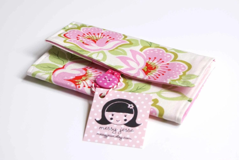Cozy Crochet Hook Organizer, Pink Floral Bloom