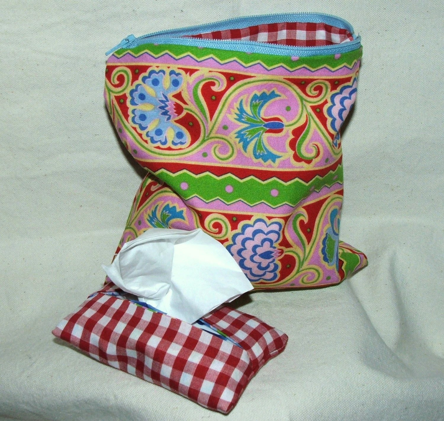 Perfect little pouch , tissue set, free ship, snack bag