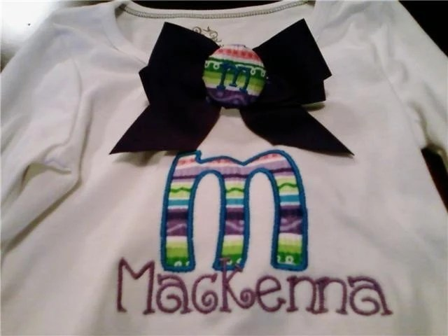 Appliqued T-Shirt w/Matching Bow