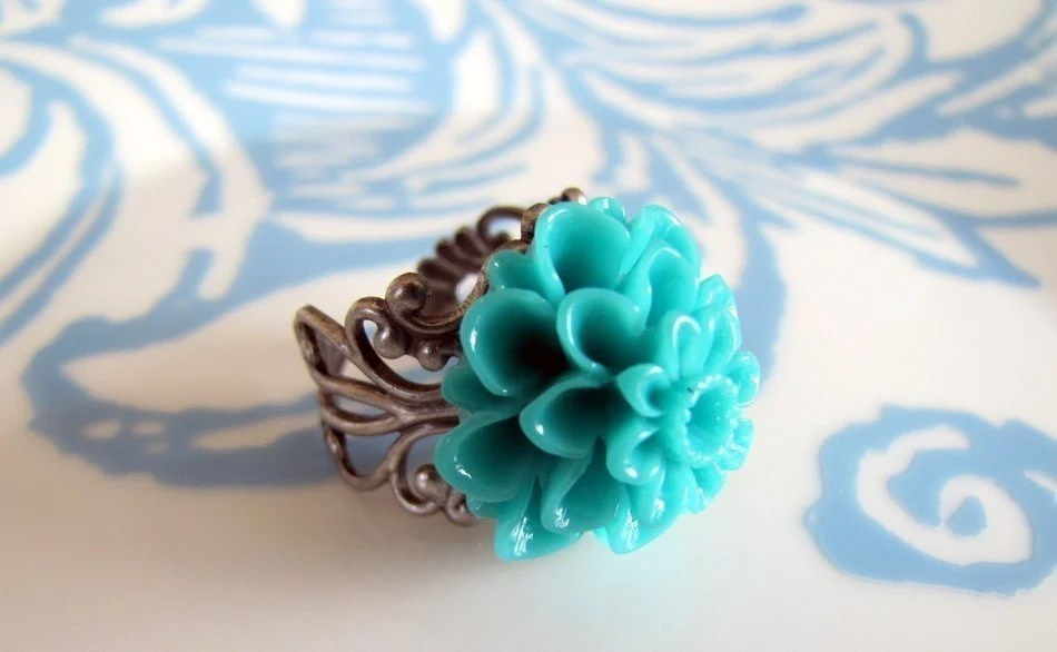 TEAL Chrysanthemum Flower Statement Ring on an Antiqued Silver Filigree Band