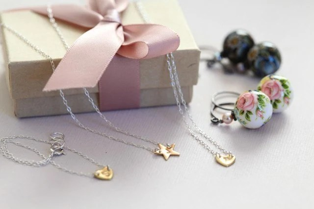 moncadeau gift package A - 4 items of your choice from best selling items
