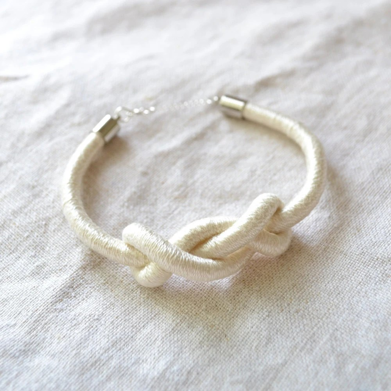 shakti rope knot bracelet (in natural)