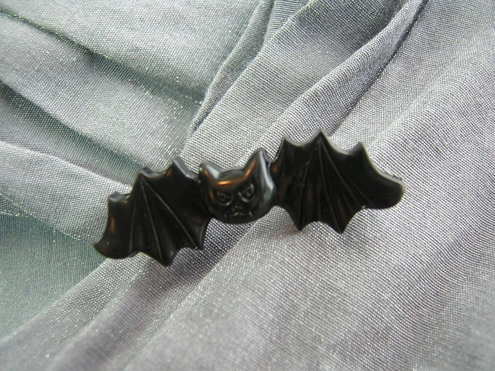 Cute Black Vampire Bat Pin by Rewondered D225P-00005 - $5.95
