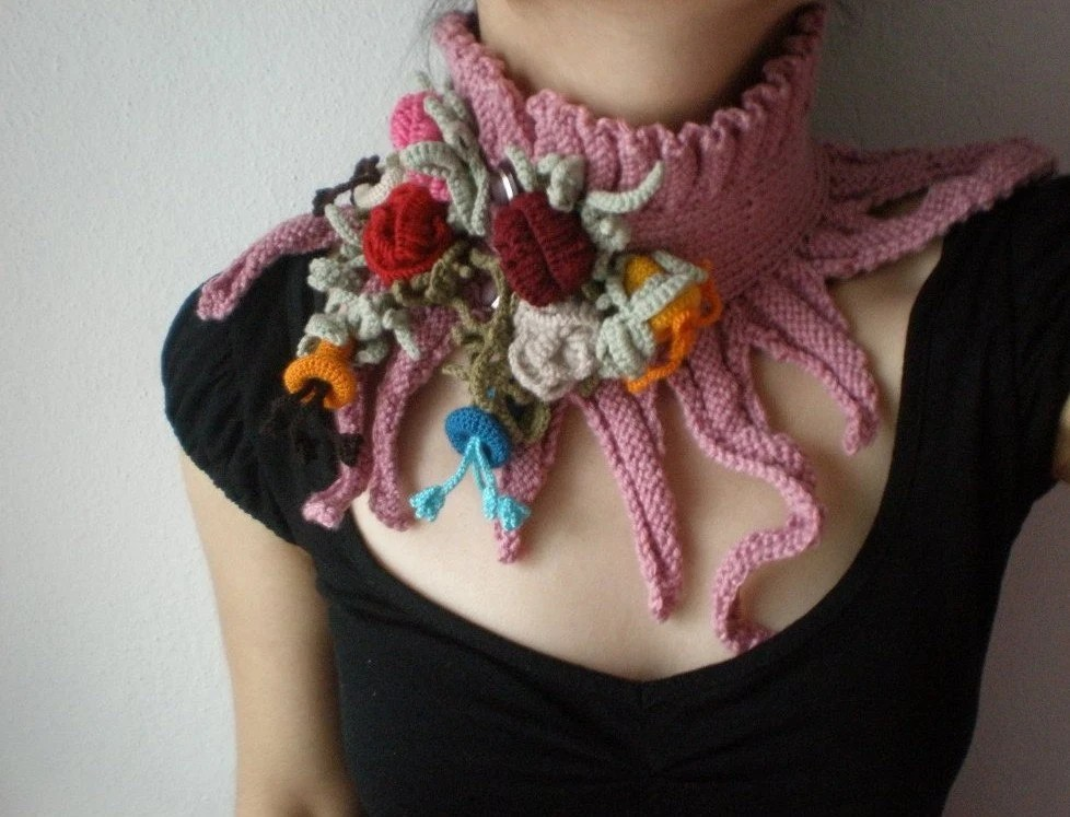 Elan - Rosa ... Knitted Neckwarmer / Scarflette -  Dusty Rose Pink - Colorful Flowers