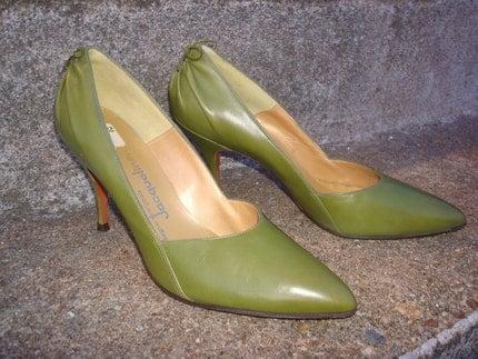 Vintage Jacqueline Designer Originals Olive Green Stilettos Pumps 1940s or 50s Never Worn
