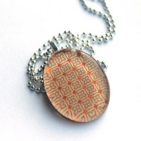 Metallic Grid Oval Necklace