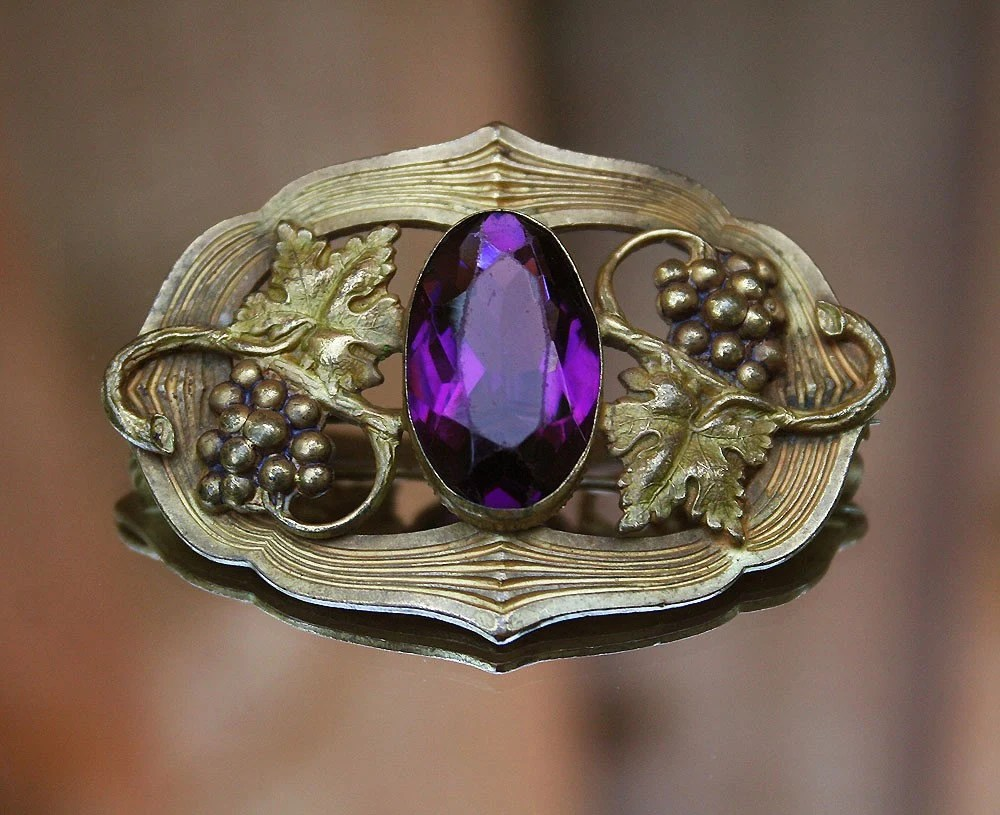 Victorian Art Nouveau Amethyst Glass Cabochon Gilt Grape Leaf Brooch
