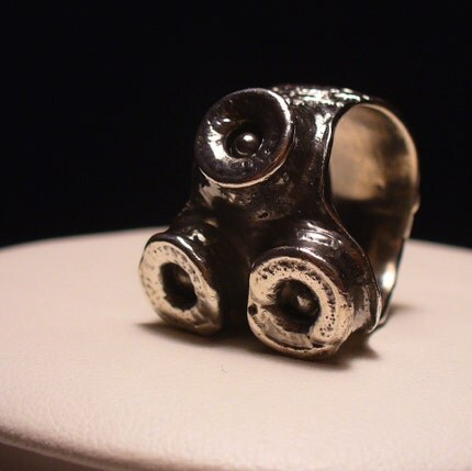 Mens OctopusME Suction Cup Ring Oxidized size 11 to 14