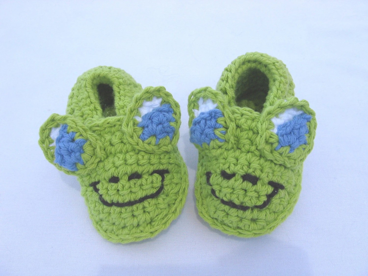 CUSTOM BOUTIQUE CROCHET INFANT FROG SOFT SOLE SHOES