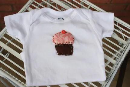 baby cupcake applique onesie