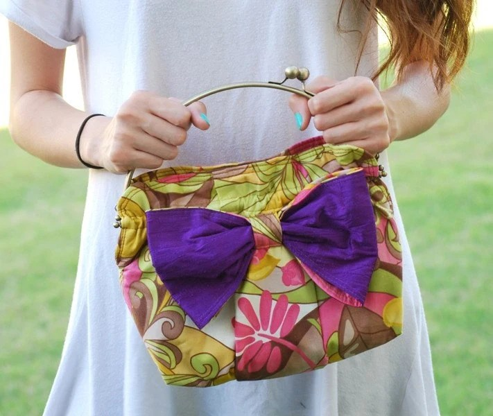 Kiss Lock Clutch - Pastel Forest