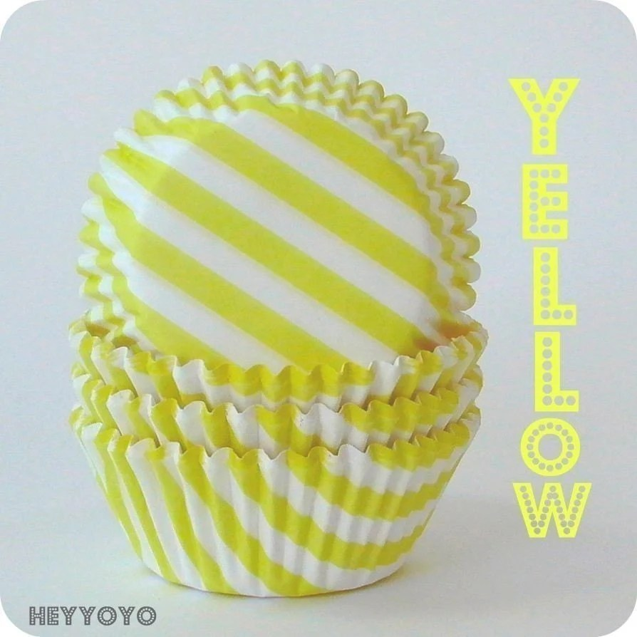50 Yellow Barber Striped Cupcake Liners