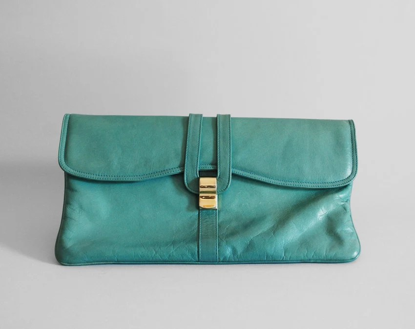 1980s vintage PEACOCK large leather clutch purse