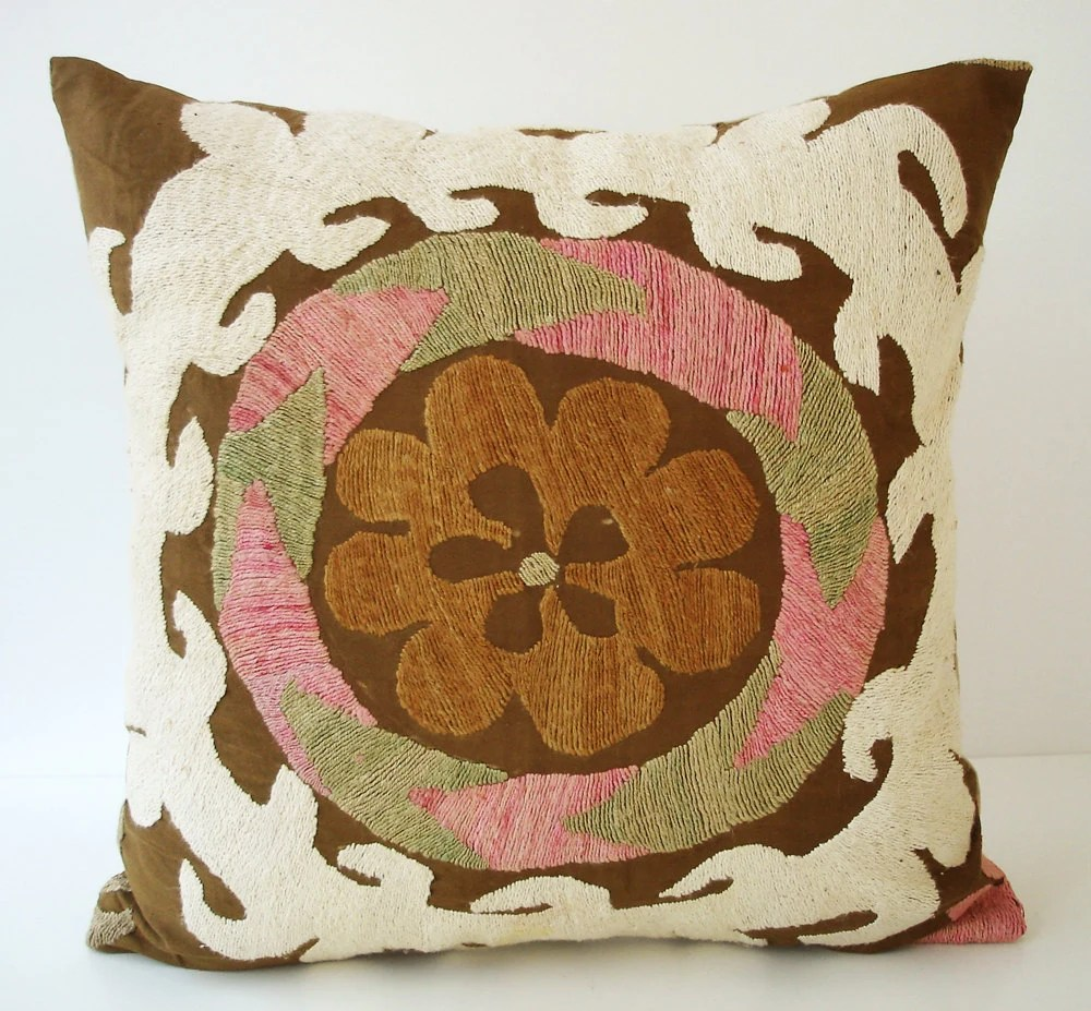 Sukan / Vintage Hand Embroidered Suzani Pillow Cover - 16x16