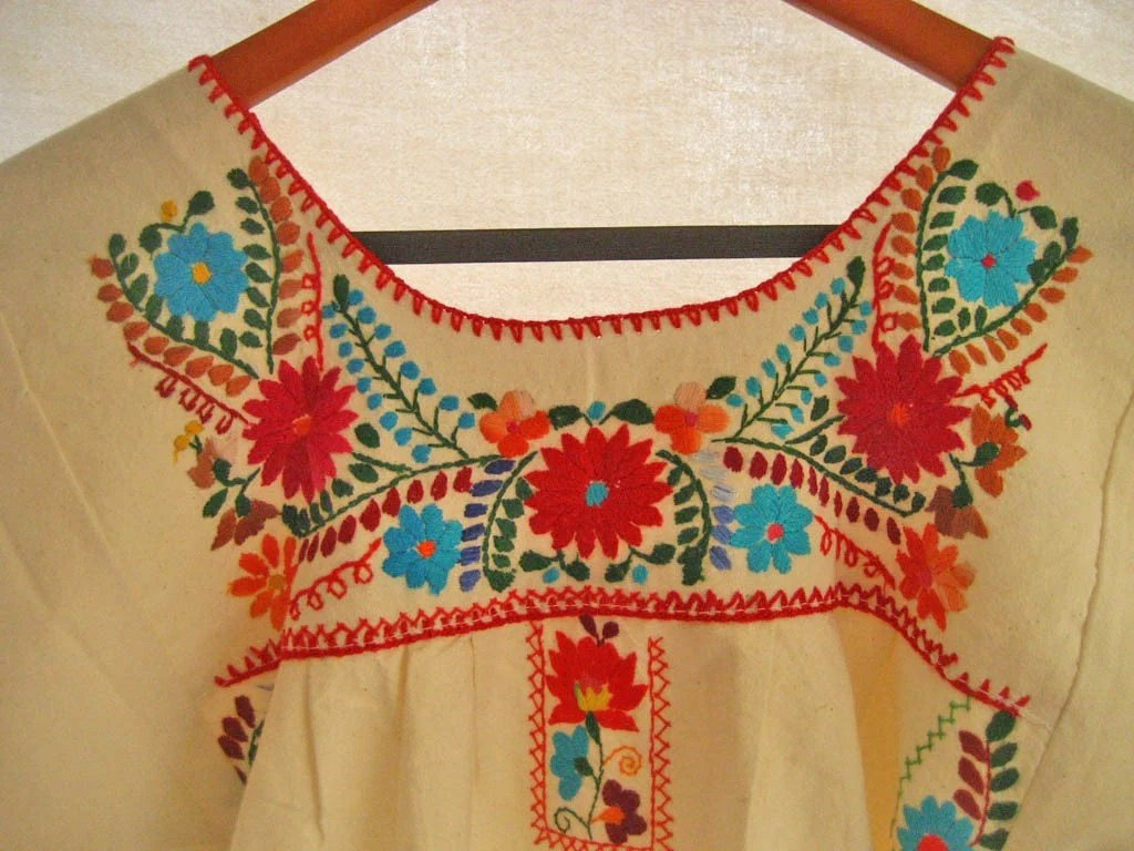Mexican Vintage embroidered mini tunic dress turquoise and red Hippie Natural color size M