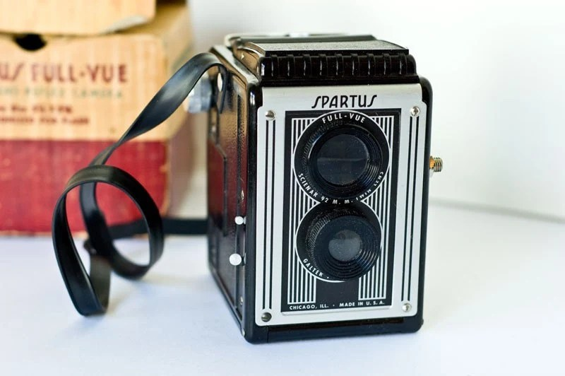 Vintage Spartus Full-Vue twin lens camera
