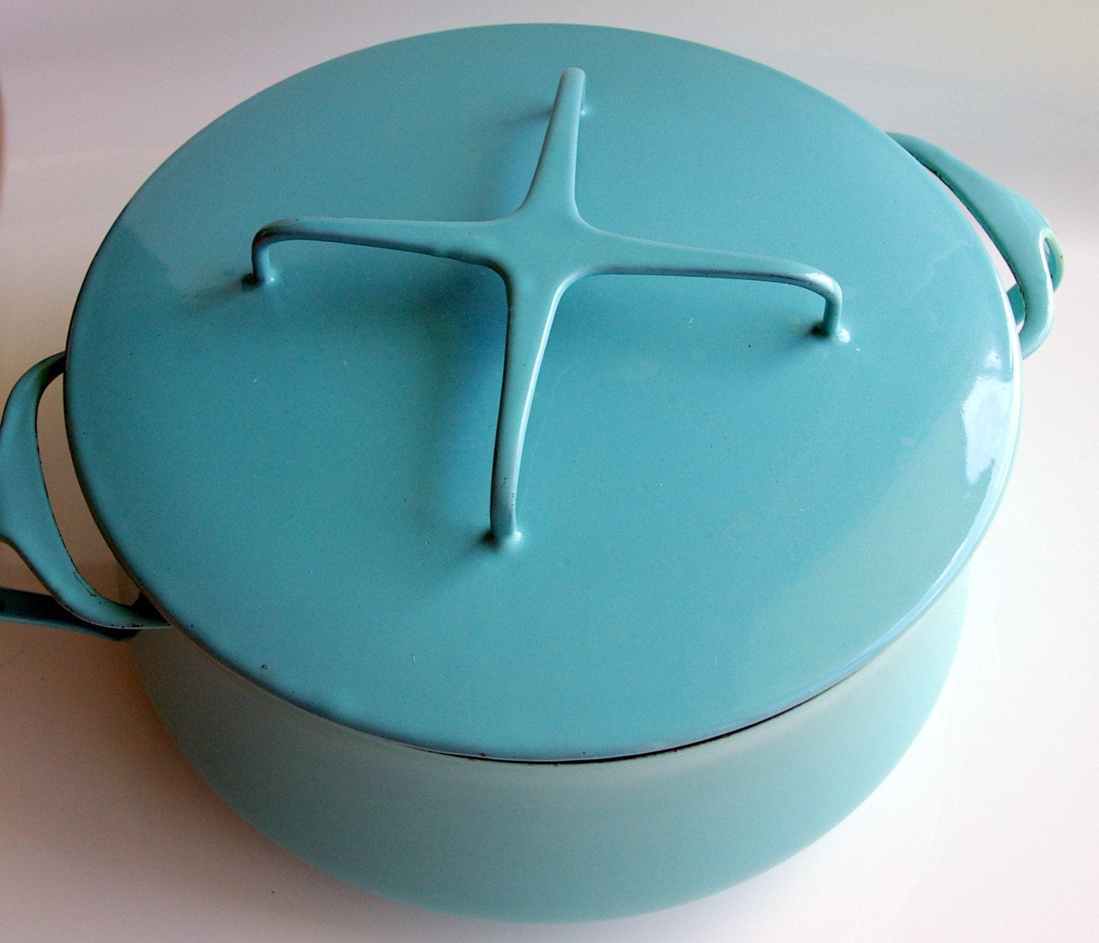 Dansk IHQ Kobenstyle Enamelware Large Dutch Oven Covered Pot Aqua Turquoise