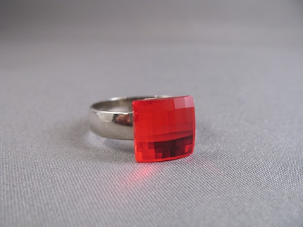 Lady in Red Ring