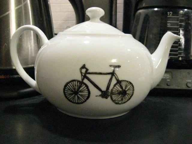 Teapot with bicycles